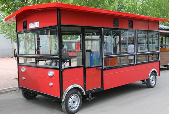电动巴士餐车